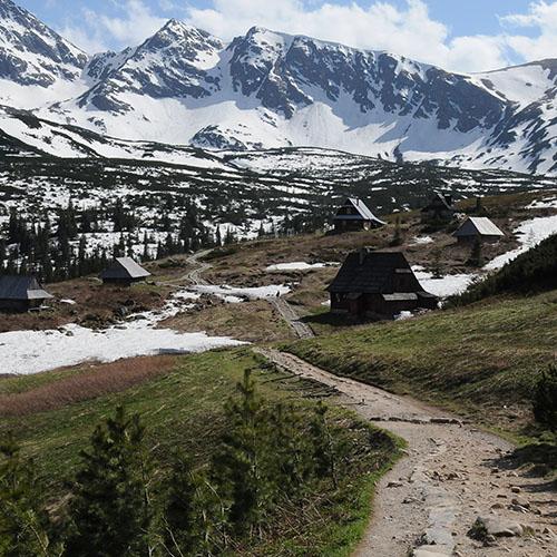 oboz-w-gorach-min